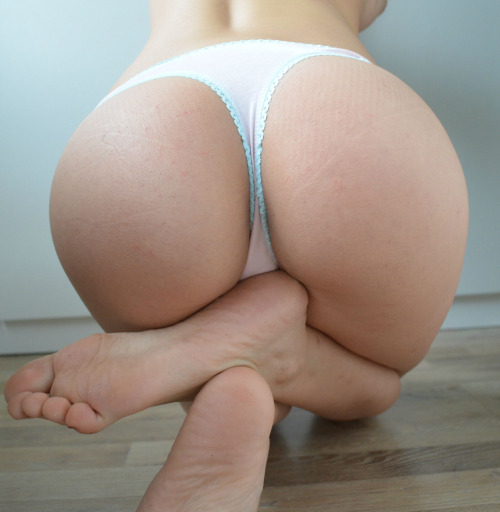 Tiny ass in thigh underwear LiveXXX webcams girls cam girl tumblr nfnqz4aTym1smjc75o1 500 webcam chat girls
