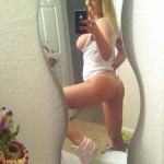 Bathroom selfie blonde with hot ass before cam show