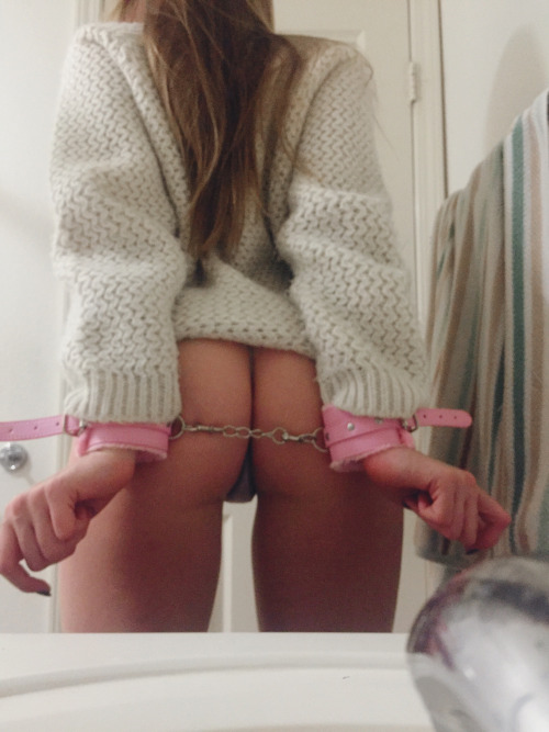 fxckmeharder: Cozy and cuffed ?