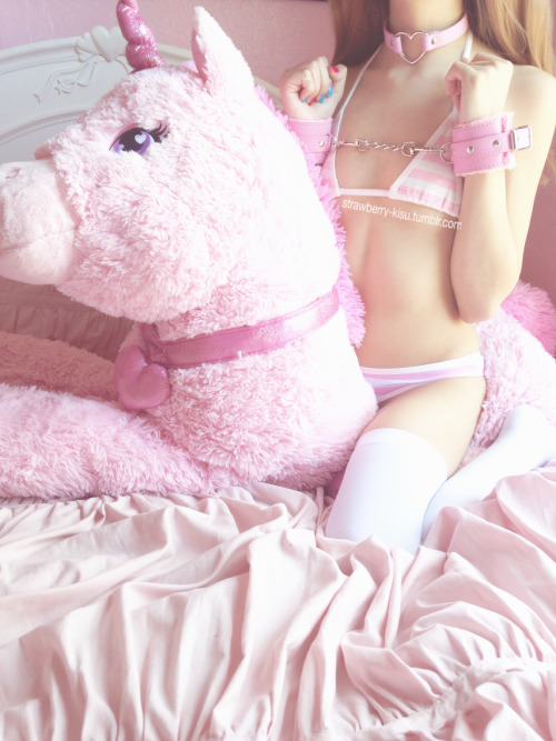 Strawberry-Kisu: Tied Up on My Private Snapchat ʚ♡ɞ Message…