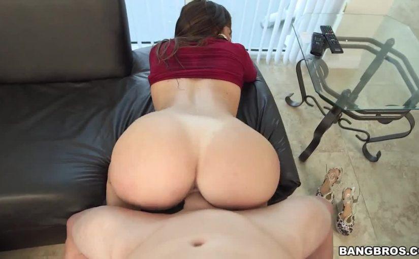 Amazing Round Ass Julianna