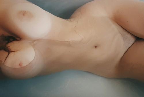 lpvx: Soak the chills away ? Anyone else love a bath?!