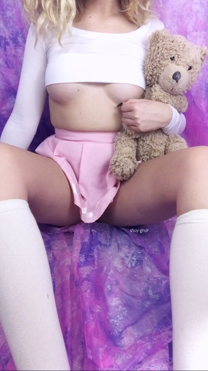 shay-gnar: shay-gnar: wanna play, daddy? ?ask about buying my…