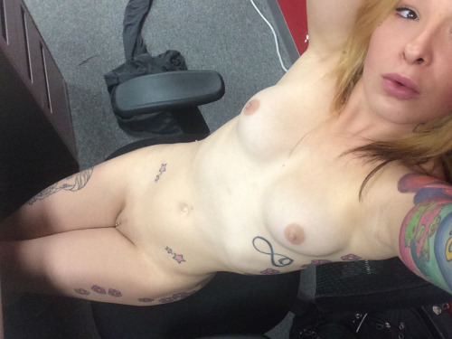 Photo LiveXXX webcams girls cam girl tumblr oj8frzkwzL1u85r7uo1 500 webcam chat girls